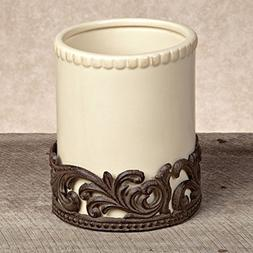 GG Collection Cream Ceramic Utensil Holder with Metal Base